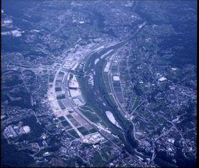 平成12-14年度 天竜川治水対策事業 竜丘盛土面整備工事 南工区